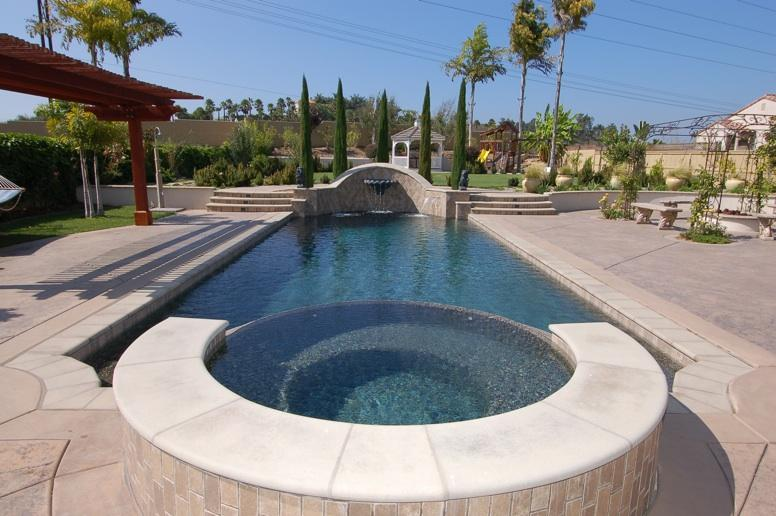 Pool contractor luxury spas pacific sun for Pool and spa show usa