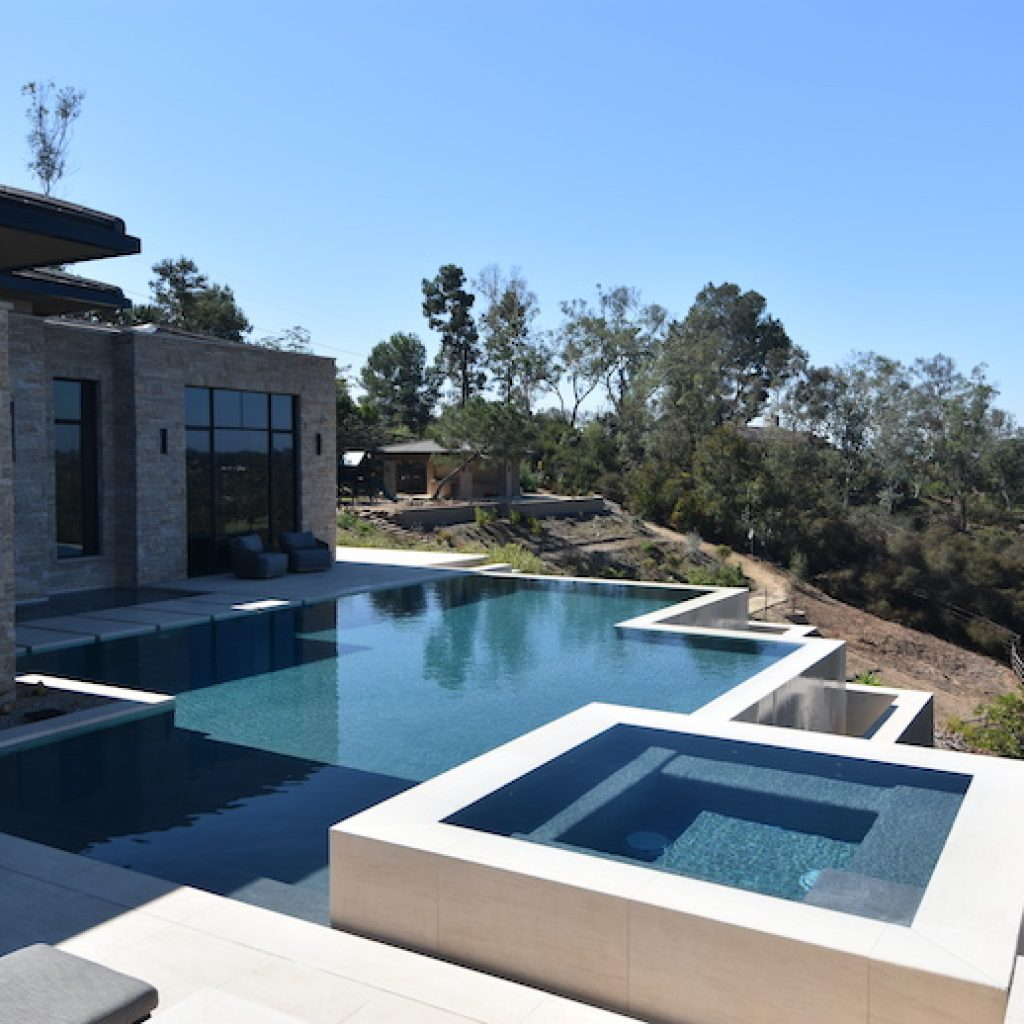 Square edges of pool and spa